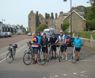 Day 4 - Cycle to Kirkcudbright with 'local produce' dinner.